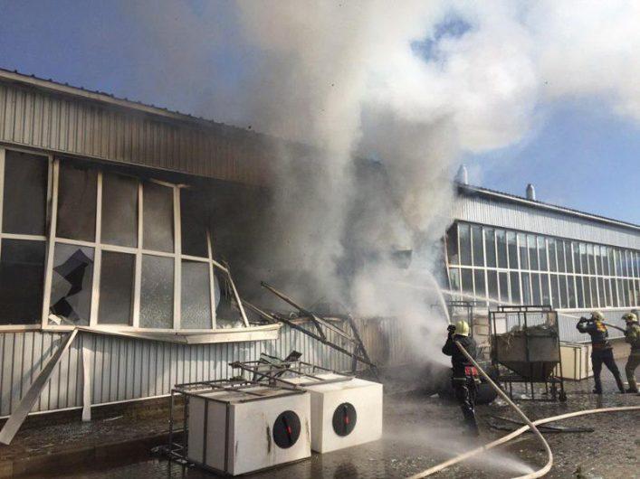 Взрыв на заводе в Сумах