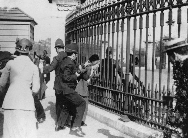 Задержание суфражисток в Британии
