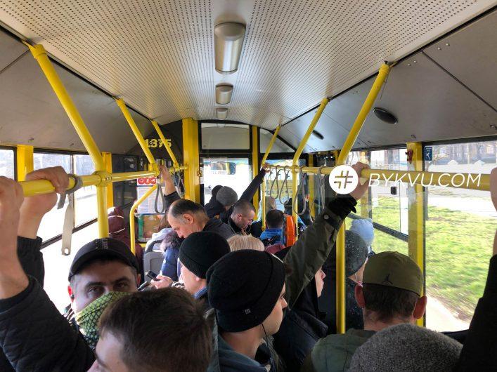 Троллейбус №50 в Киеве 18 марта_02