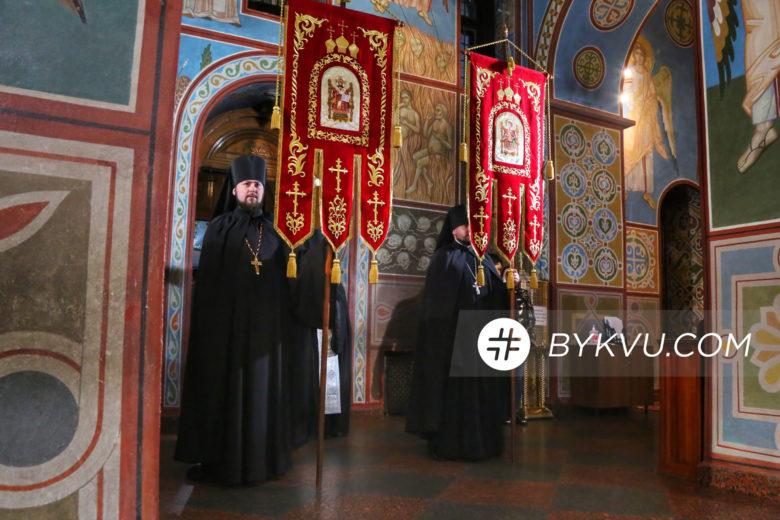 Великдень у Свято-Михайлівському соборі_08