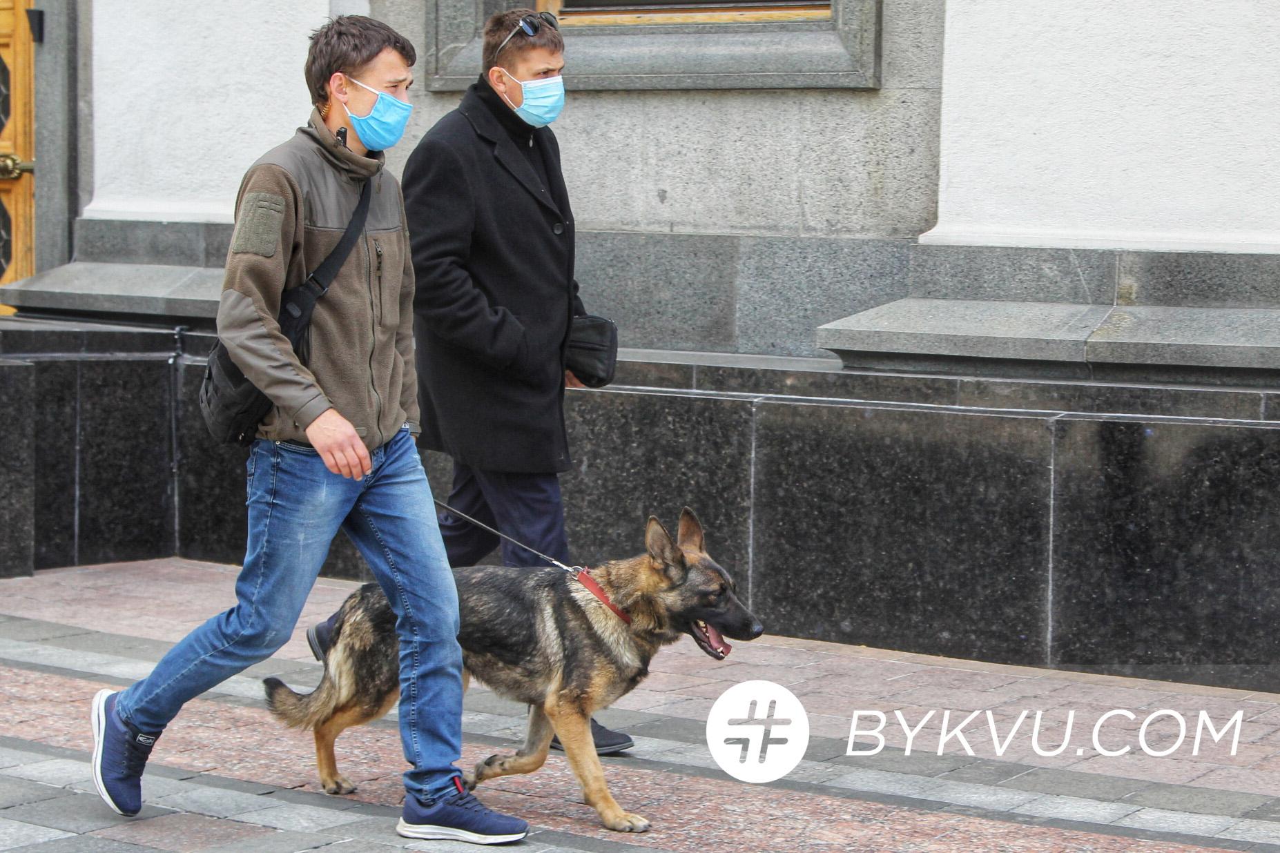 озброєні люди_засідання ВР_зеленський