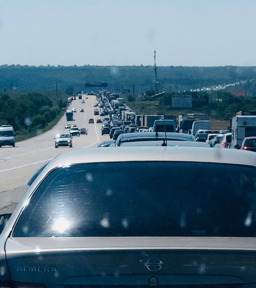 Самая большая пробка в Украине — несколько десятков километров