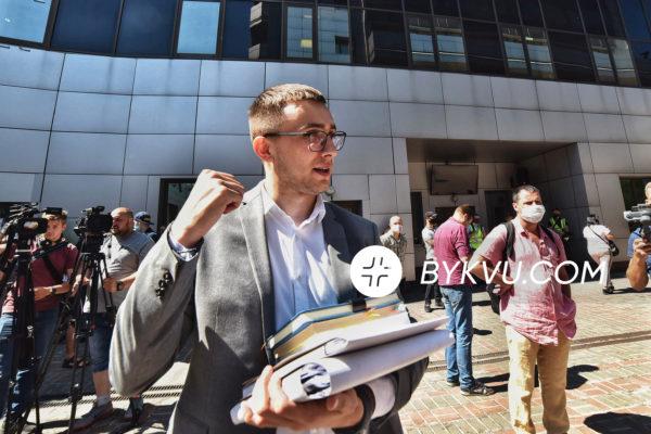 Стерненко приехал в апелляционный суд