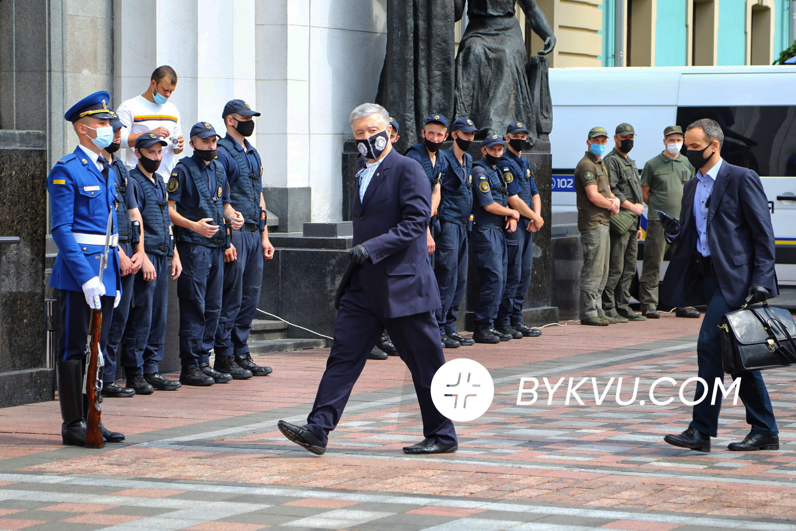 законопроект Бужанского