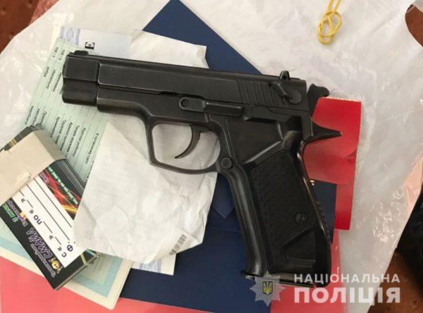 В Одесі викрили мережу борделів, яку організував поліцейський: фото і відео
