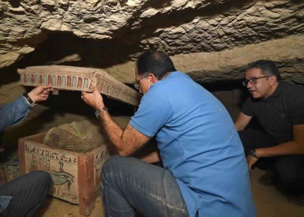 В Єгипті знайшли сховище із саркофагами, яким понад 2,5 тисячі років