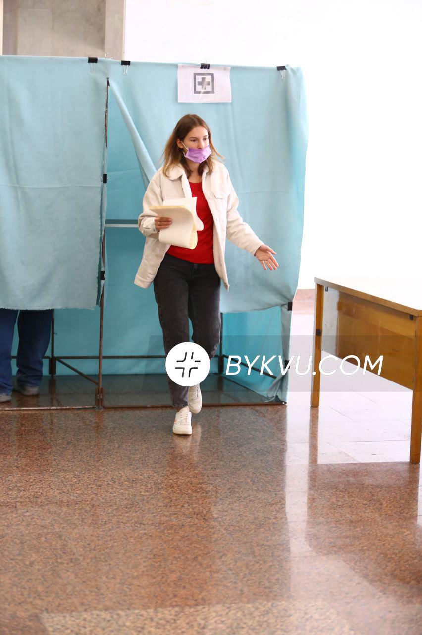 выборы 2020_кабинки для больных