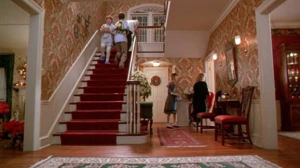 Не узнать. Как выглядит дом из фильма «Один дома» 30 лет спустя (ФОТО) 1