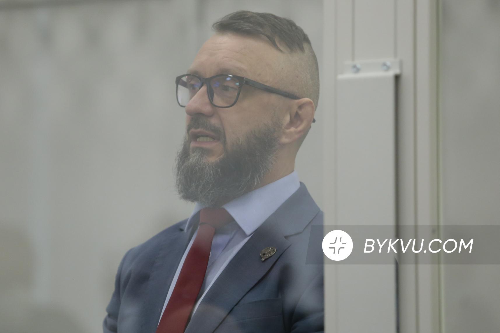 Суд_Антоненко