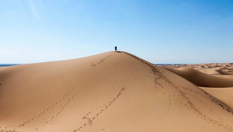 151120140444 dunes dude alone super 169