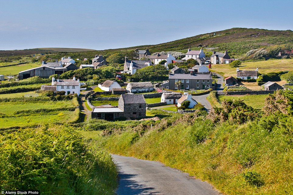 327D8CF400000578 3506064 Isle of Man has joined 11 locations in the UK as special places a 98 1458739975321 copy