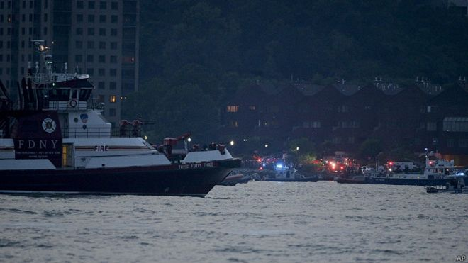 160528020944 hudson river plane accident 624x351 ap