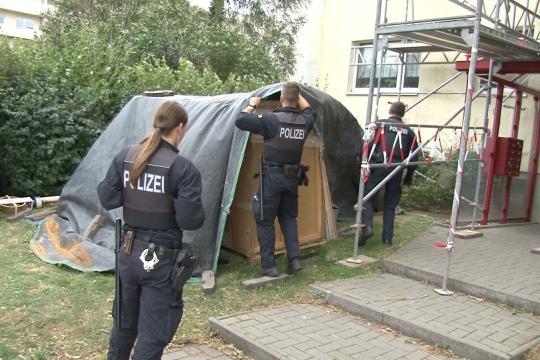 Mann greift Passanten in Magdeburg an