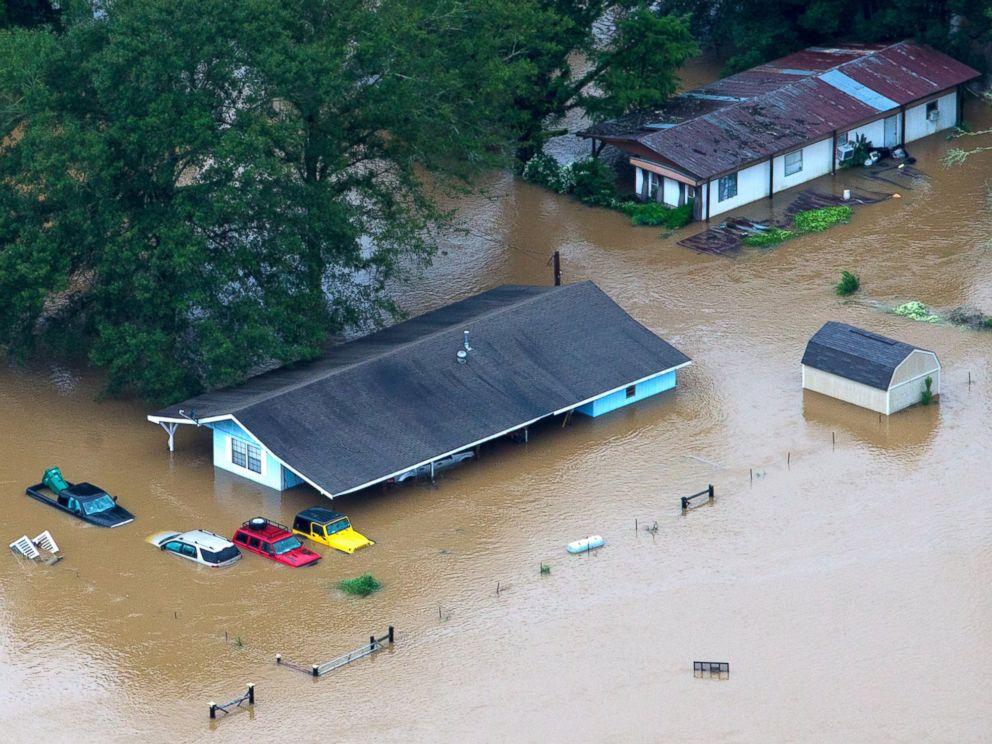 AP louisiana flooding 3 jt 160814 4x3 992