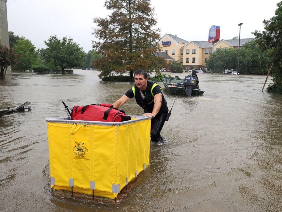 AP louisiana flooding 5 jt 160814 4x3 992