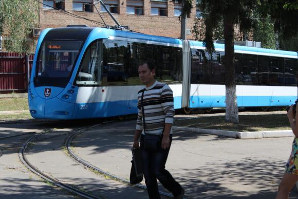 трам6