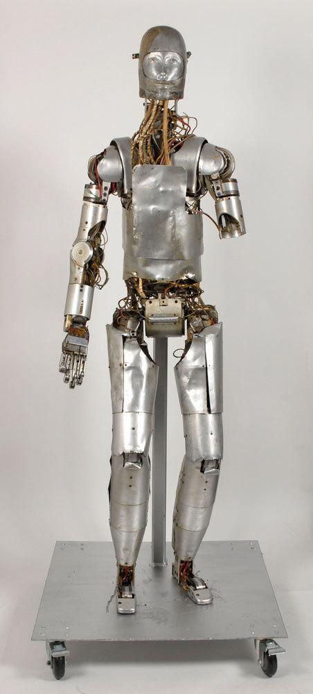 spacesuit robot dummy auction02