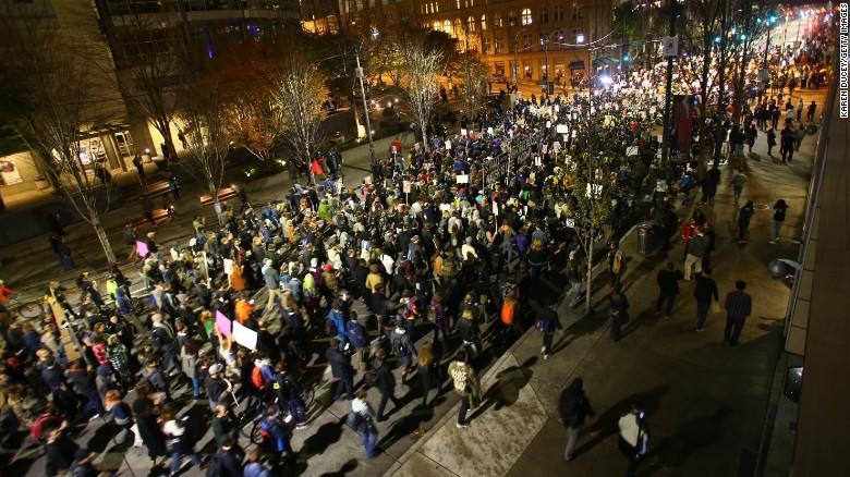 161110111532 02 trump protests 1110 exlarge 169