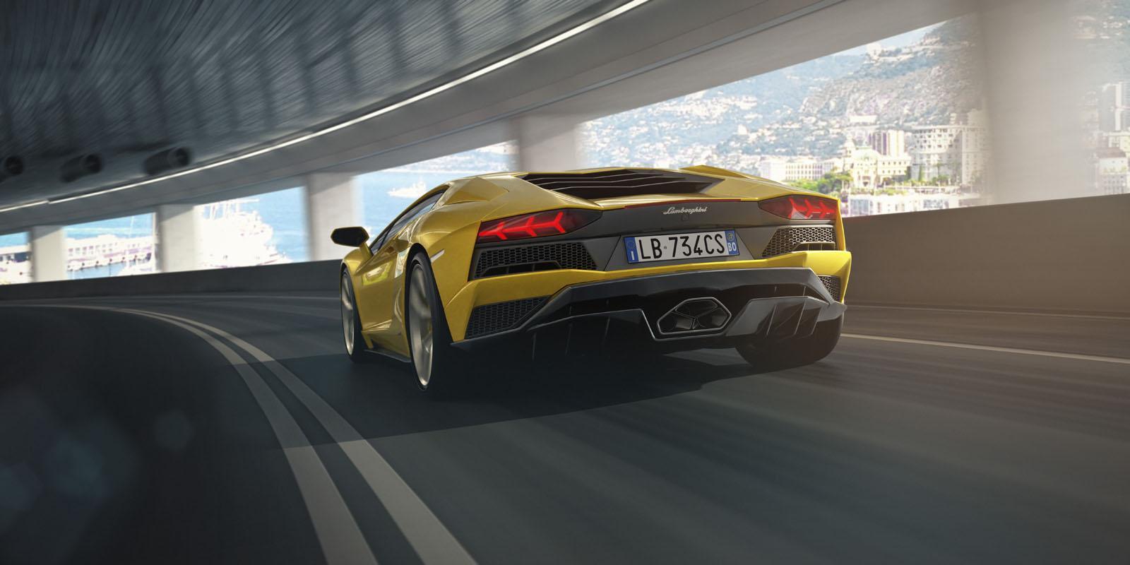 2018 Lamborghini Aventador S 14