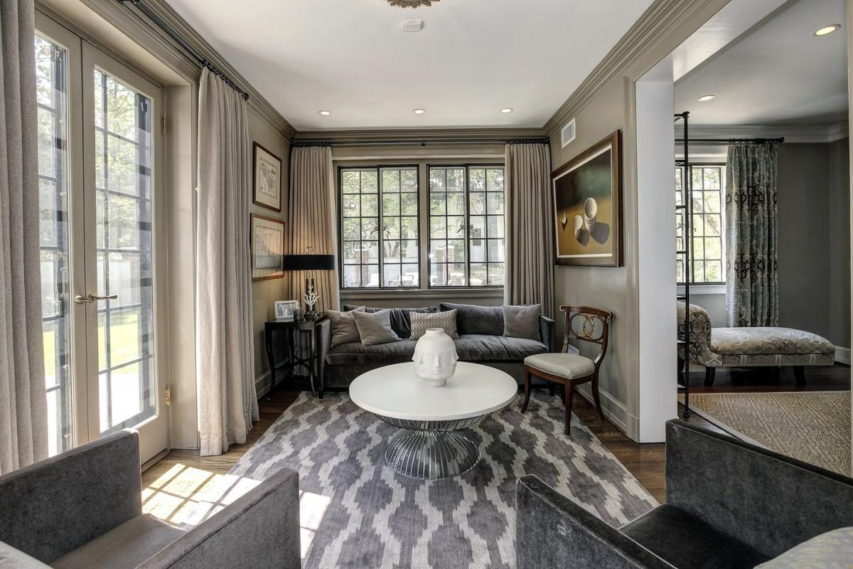 2446 Belmont Road NW Washington DC Obamas New Home Sitting Room 1200x800