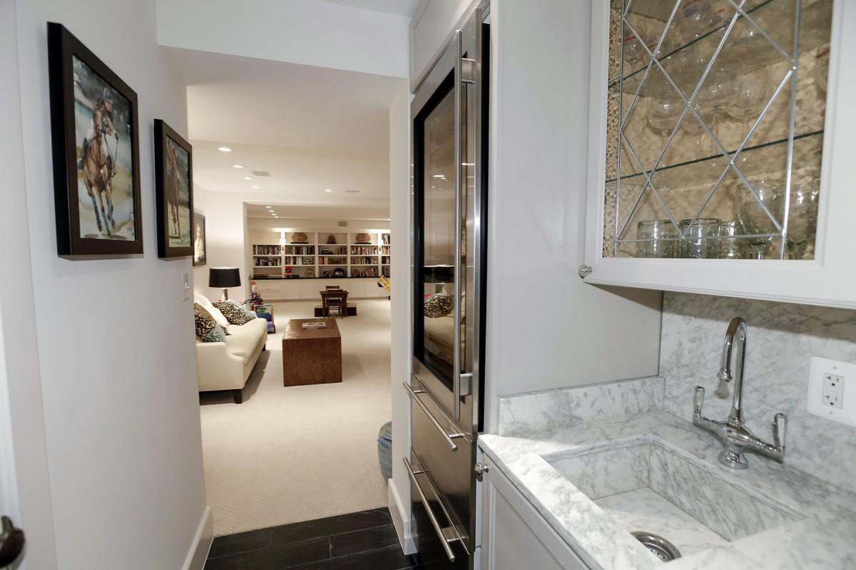 2446 Belmont Road NW Washington DC Obamas New Home Wet Bar and Wine Storage 1200x800
