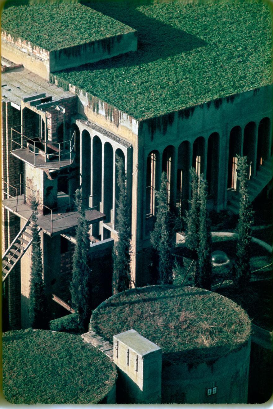 cement factory renovation la fabrica ricardo bofill 58b3e79e53f27 880