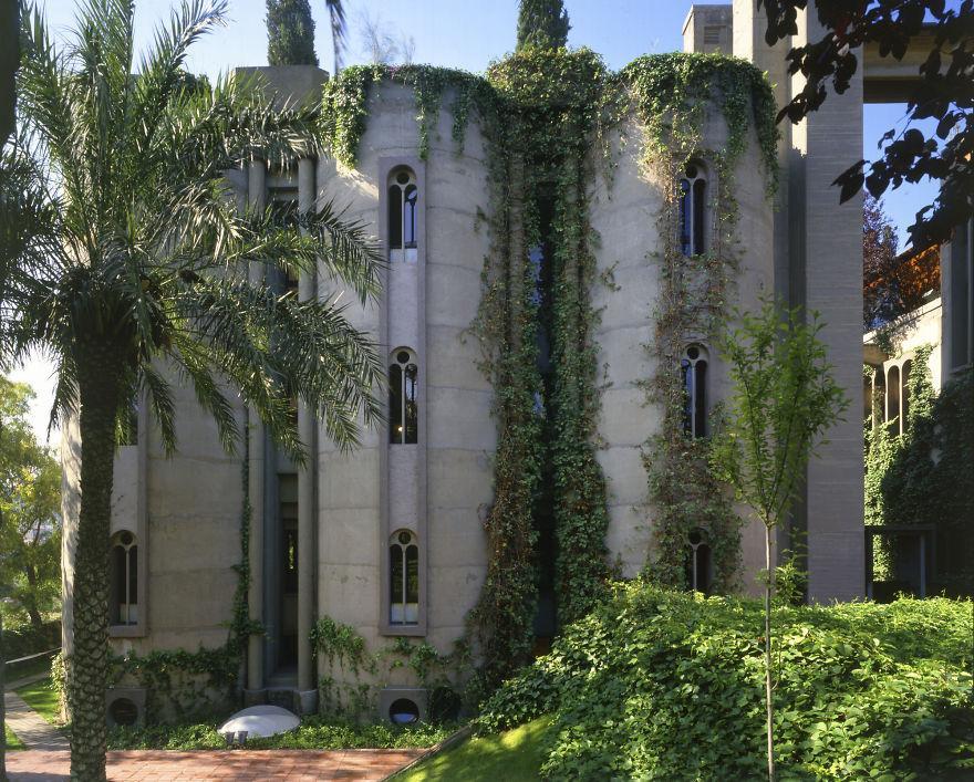 cement factory renovation la fabrica ricardo bofill 58b3ee8648912 880