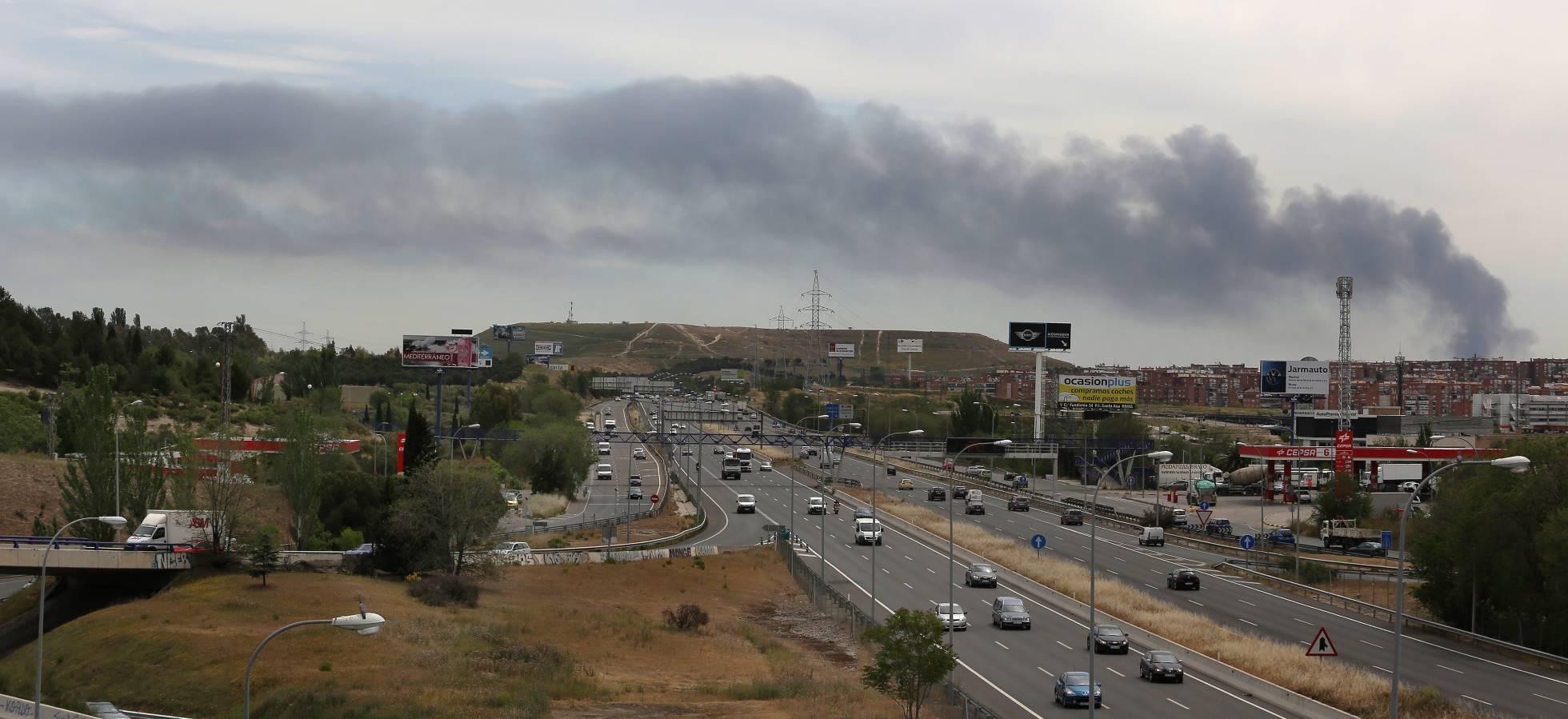 Взрывы на заводе в Испании_3
