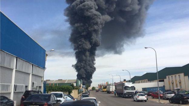Взрывы на заводе в Испании_2