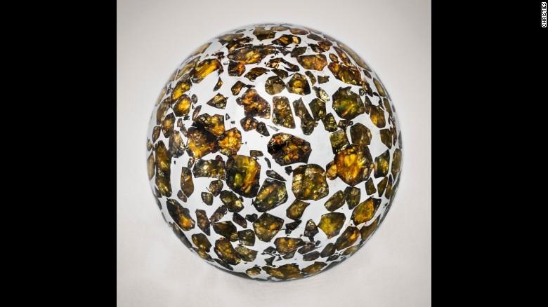 Christie's  выставил на торги метеориты_2
