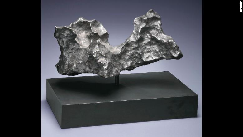 Christie's  выставил на торги метеориты_4