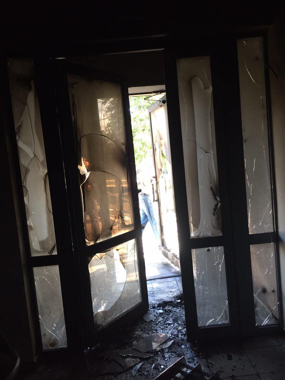 В Днепре неизвестные подожгли офис