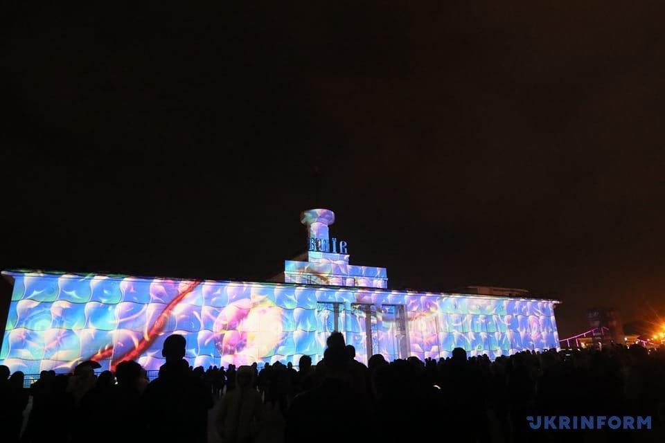 В Киеве стартовал фестиваль света Kyiv Lights Festival_11