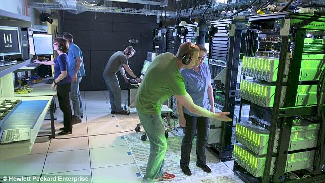 Hewlett Packard Enterprise презентовала прототип компьютера с рекордным объемом памяти_2