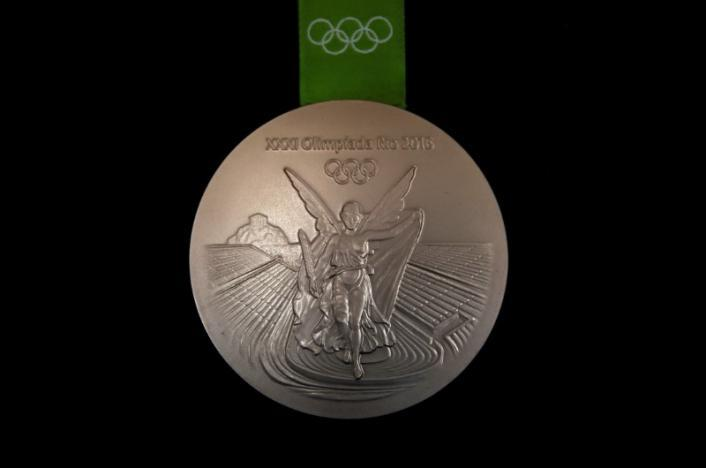 Призеры Олимпиады 2016 вернули в оргкомитет более 100 проржавевших и поврежденных медалей_3