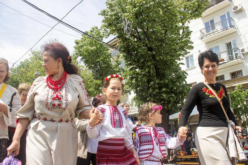 В Одессе прошел 10-й Мегамарш в вышиванках_9