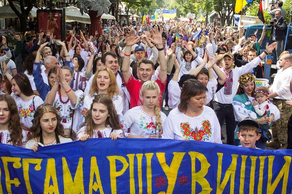 В Одессе прошел 10-й Мегамарш в вышиванках_12