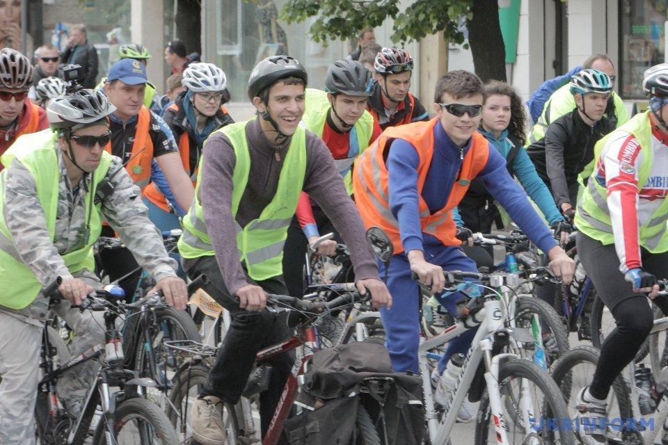5 тыс. велосипедистов проехались Харьковом_3