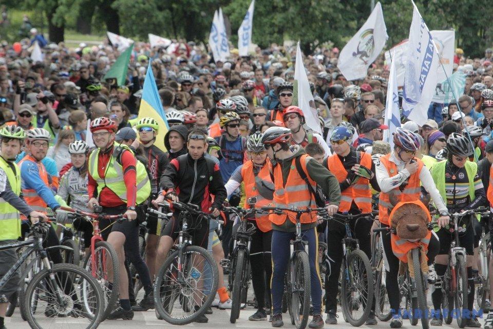 5 тыс. велосипедистов проехались Харьковом_5