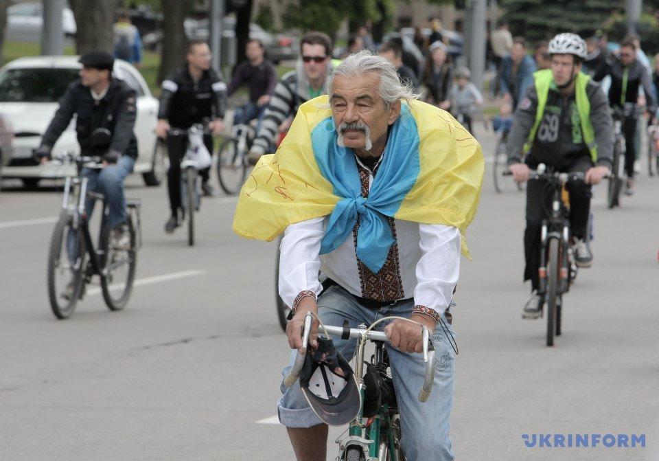 5 тыс. велосипедистов проехались Харьковом_8