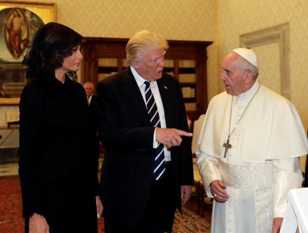 Франциск призвал Трампа стать миротворцем_13