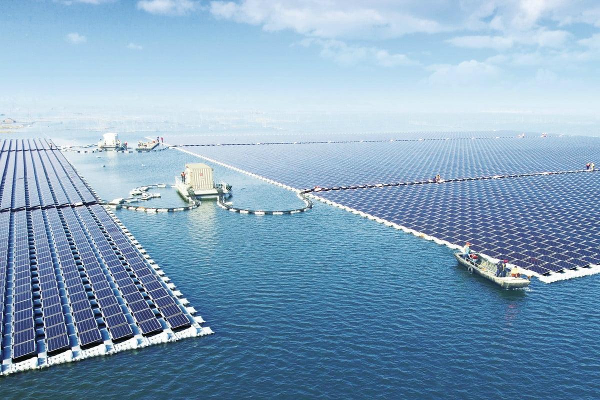 В Китае подключили к электросети крупнейшую плавучую солнечную электростанцию