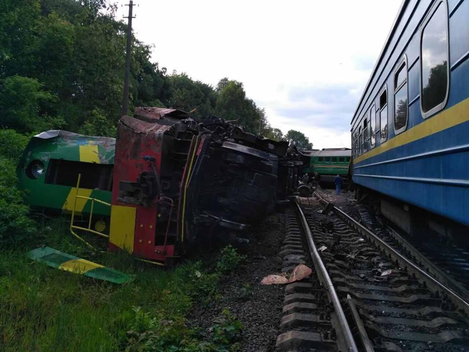 Столкновение поездов_7