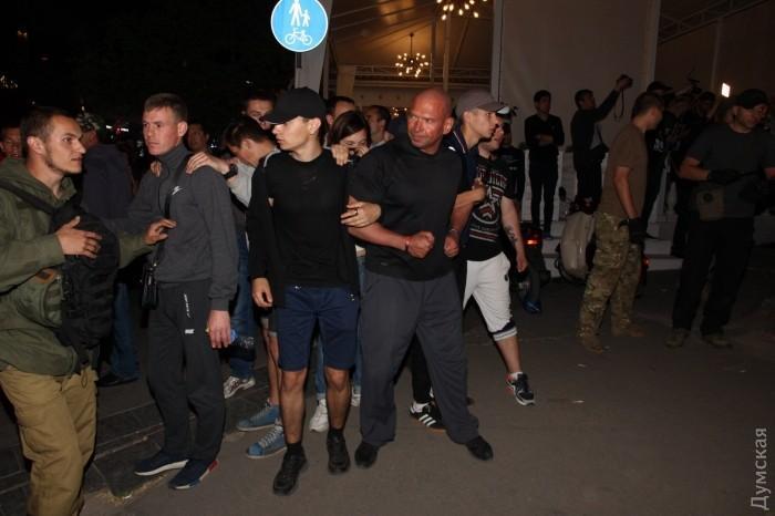 В Одессе сорвали концерт Лободы_17