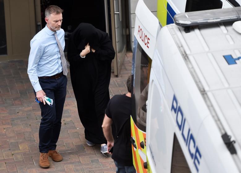 В Лондоне задержаны 12 человек_3