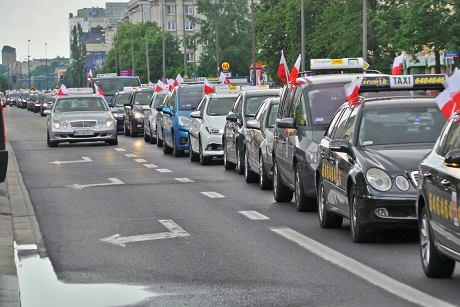 Протесты водителей такси в крупнейших городах Польши