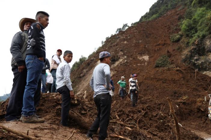 В западной Гватемале сошел оползень