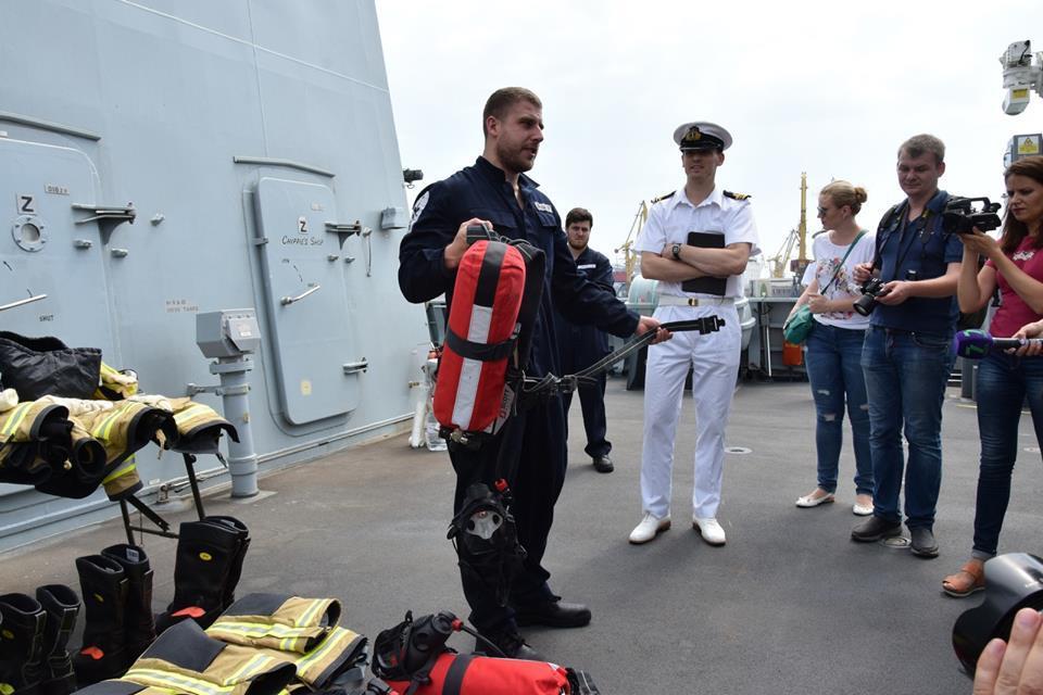 Занятия украинских и британских моряков на эсминце НАТО
