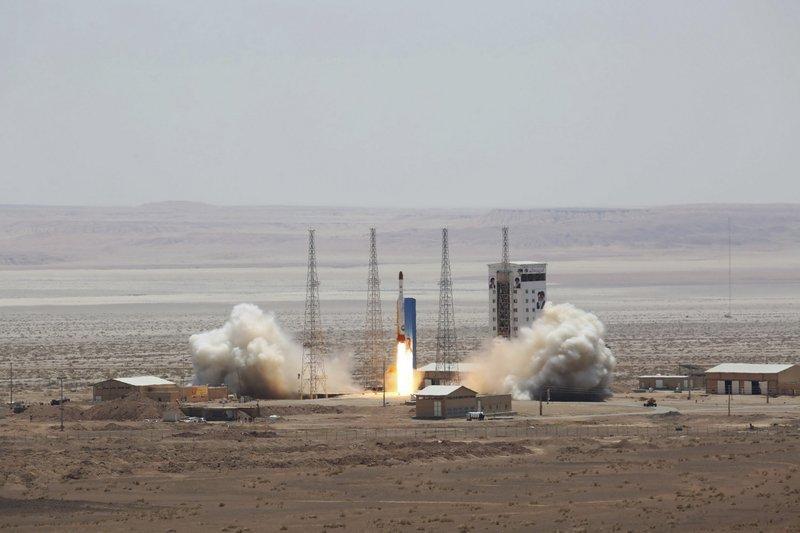Запуск ракеты-носителя в Иране