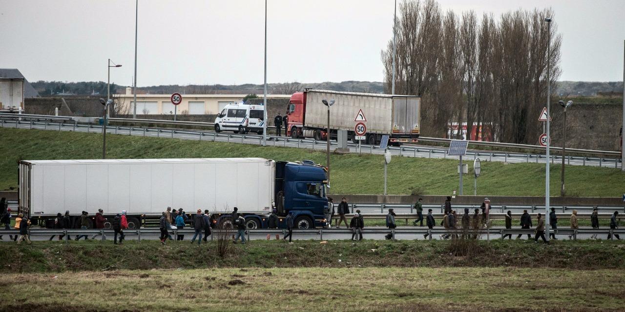 Nord 26 migrants decouverts dans un camion frigorifique